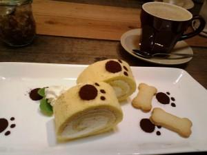ペンネンネネムhappyのメニュー・ハリーのロールケーキ